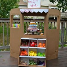 23 awesome things to do with a cardboard box