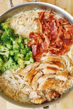 Creamy Broccoli, Chicken Breast, and Bacon Fettuccine Pasta in homemade Alfredo sauce. dinner bacon Chicken Broccoli Pasta with Bacon Bacon Pasta Recipes, Chicken Recipes, Broccoli Recipes, Broccoli Salads, Meat Recipes, Free Recipes, Recipes With Sauce, Shrimp Recipes, Meals With Chicken