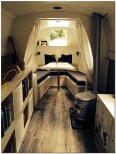 a simple life afloat narrowboat interior Canal Boat Interior, Sailboat Interior, Sailboat Decor, Yacht Interior, Van Interior, Narrowboat Interiors, Houseboat Living, Houseboat Ideas, Houseboat Decor
