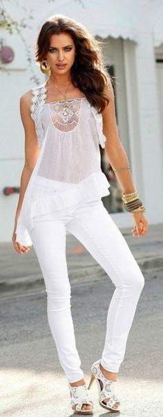 Irina Shayk poster, mousepad, t-shirt, White Fashion, Look Fashion, Womens Fashion, Fashion Trends, Girl Fashion, Irina Shayk, Moda Casual, Russian Models, Cute Woman