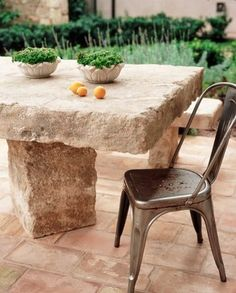 Provence Style in Shady Canyon, California...love this table & the chairs
