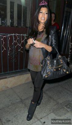 Kourtney Kardashian wearing H amp M Black Faux Leather Cropped Jacket Vince  Quilted leather motocross jacket 0c550efbee5db