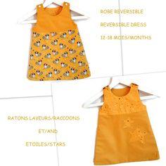 f2f35206dfa00 Robe Réversible Bébé 12-18 mois Robe Chasuble Trapèze Etoiles et Ratons  Laveurs Moutarde Coton. Un grand marché
