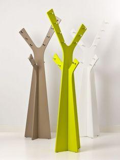 Percheros de pie tipo árbol #perchero #diseño #decoración #habitissimo