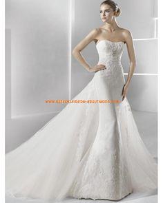Traumhafte Luxuriöse Brautmode aus Spitze und Satin Kolumne mit Schleppe