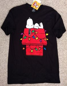 New NWT Mens(Medium) SNOOPY DOG HOUSE CHRISTMAS LIGHTS T-SHIRT Black/Red Peanuts #Peanuts #GraphicTee