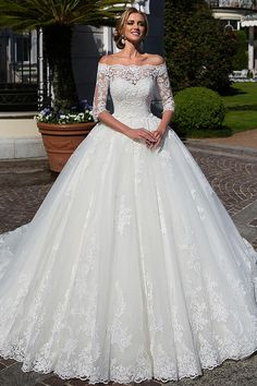 Attractive Tulle Off-the-shoulder Neckline Ball Gown Wedding Dress With Lace Appliques & Beadings & Detachable Jacket Sexy Wedding Dresses, Princess Wedding Dresses, Cheap Wedding Dress, Designer Wedding Dresses, Bridal Dresses, Wedding Gowns, Unconventional Wedding Dress, Lace Ball Gowns, Boho Stil