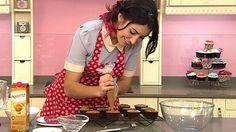Divinity se pone dulce: segunda temporada de cupcake maniacs Cupcakes, Chocolate Fondue, Desserts, Food, Second Season, Entertainment, Seasons, Sweet Treats, Tailgate Desserts