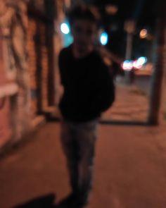 Vultos. #saopaulo #paulista #brasil #brazilian #livro #book #streestyle #lifestyle #photo #freicaneca #jacket #librarian #sombras #leitor #shadows #josecarvalho #johzeca #actor #contadordehistorias #ciaviajantesdaimaginacao #ator #street #rua #saopaulo #vila #child #invisivel #night #vulto #black #style