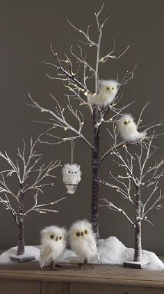 Stunning White Winter Decor Ideas You Must Try - Happy Christmas - Noel 2020 ideas-Happy New Year-Christmas Christmas Owls, Woodland Christmas, Rustic Christmas, Christmas Projects, Winter Christmas, Christmas Home, Xmas, White Twig Christmas Tree, Christmas Tree Branches