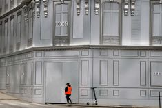 Negozio Dior, Parigi Foto di FRANCOIS GUILLOT : AFP Photography Collage, Nairobi, Venice Beach, Westminster, Dior, Home, Dior Couture, Ad Home, Homes