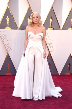 Oscars 2016 - Lady Gaga in a Brandon Maxwell jumpsuit dress! Oscars Red Carpet Dresses, Gala Dresses, Nice Dresses, Evening Dresses, Dresses 2016, Formal Jumpsuit, Wedding Jumpsuit, Jumpsuit Dress, White Jumpsuit