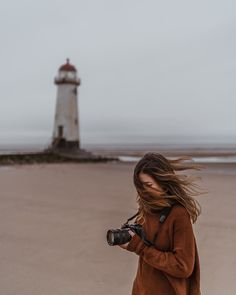 Lighthouses, photographs, and road trips in Wales✨ Creative Photography, Photography Poses, Couple Beach Pictures, Faceless Portrait, Winter Beach, Photoshoot Inspiration, Portrait Photographers, Lighthouse, Beautiful