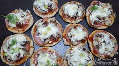 Kolbászos pizza Baked Potato, Potatoes, Eggs, Baking, Breakfast, Ethnic Recipes, Food, Morning Coffee, Potato