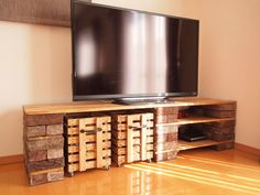 Metabes - Home, Craft and Diy Cinder Block Furniture, Pallet Furniture, Furniture Design, Living Room Stands, Home Living Room, Living Room Decor, Rustic Media Console, Brick Shelves, Rack Tv