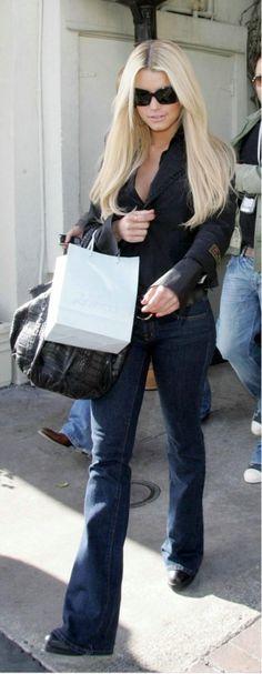 Jessica Simpson Jessica Simpson Shopping in Los Angeles CA Feburary 18 2006