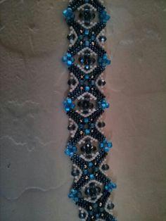 Bracelet beaded by Ruth Malek. A similar pattern is available from Jill Wiseman Designs (Piazza Perline Bracelet).