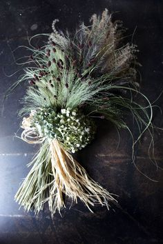 Others - siberiacake1 ページ! Dried Flower Wreaths, Wreaths And Garlands, Dried Flowers, Flower Boutique, Winter Wedding Flowers, Hand Bouquet, Green Wreath, Deco Floral, Funeral Flowers