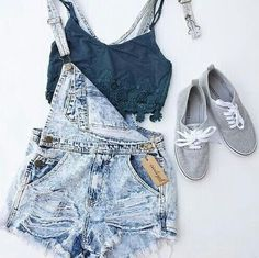 Trendy how to wear bralette outfit casual jeans Denim Fashion, Look Fashion, Teen Fashion, Fashion Outfits, Womens Fashion, Fashion Clothes, Fashion 2016, Sneakers Fashion, Grey Sneakers