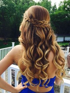 @cndreska13 This is what I want, officially, for my graduation hair. :) Please..