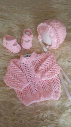 New knitting patterns free baby cardigan newborns sweaters ideas Baby Cardigan Knitting Pattern Free, Crochet Throw Pattern, Knitted Baby Cardigan, Knit Baby Sweaters, Knitted Baby Clothes, Crochet Baby, Knitted Afghans, Baby Knits, Cardigan Bebe