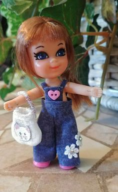 Liddle Kiddle clothes handmade denim jumpsuit and kitty handbag, fits size Denim Jumpsuit, Old Toys, History Facts, Baby Dolls, Bears, Card Making, Childhood, Kitty, Christmas Ornaments