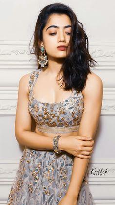 Indian Actress Images, South Indian Actress Hot, Indian Girls Images, Beautiful Blonde Girl, Beautiful Girl Photo, Beautiful Girl Indian, Most Beautiful Bollywood Actress, Beautiful Actresses, 10 Most Beautiful Women