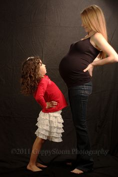 hahah!! maybe if there is a baby number 2 Aimes and I will take a picture like this
