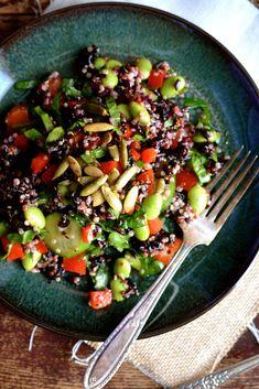 Quinoa, Edamame & Black Rice Salad Healthy Diet Recipes, Rice Recipes, Veggie Recipes, Salad Recipes, Dinner Recipes, Delicious Recipes, Veggie Food, Recipies, Healthy Eating