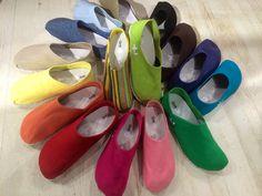 OTZshoes Clogs, Fashion, Clog Sandals, Moda, Fashion Styles, Fashion Illustrations