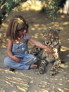 Tippi of Africa. The real Mowgli Animals For Kids, Baby Animals, Cute Animals, Wild Animals, Beautiful Creatures, Animals Beautiful, Vida Animal, Cheetahs, Tier Fotos