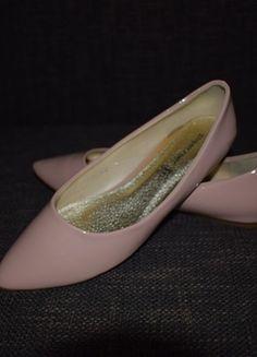 Kup mój przedmiot na #vintedpl http://www.vinted.pl/damskie-obuwie/balerinki/13360058-pantofelki-nude-nowe-bez-skazy-3940