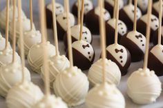 www.KUCHENmitSTIL.at Bride and groom Cake Pops Braut und Bräutigam Cake Pops Wedding Cake Pops