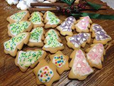 Χριστουγεννιάτικα μπισκοτάκια βουτύρου Cake Recipes, Sugar, Cookies, Desserts, Christmas, Food, Dump Cake Recipes, Crack Crackers, Natal