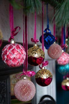 Christmas Trends, Christmas Baubles, Christmas Inspiration, Simple Christmas, All Things Christmas, Christmas Home, Christmas Wreaths, Christmas Crafts, Christmas Displays