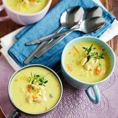 Lempeä kanakeitto lämmittää (ja lohduttaa). Soup Recipes, Recipies, Tasty, Yummy Food, Cheeseburger Chowder, Curry, Food And Drink, Favorite Recipes, Cooking