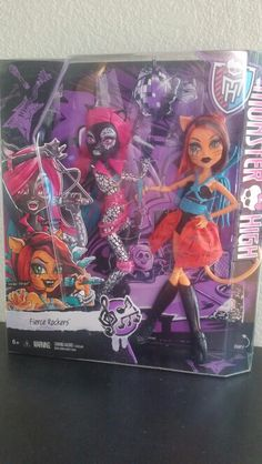 Monster high dolls Catty Noir and Toralei Stripe from Fierce Rockers found at Toys R Us