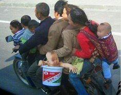 Família na moto