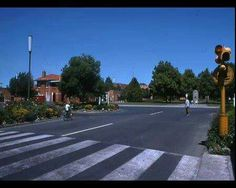 Pedestrian crossing Broadway, Yallourn