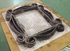 diy paper frame | Friends Peephole Frame : Step 2
