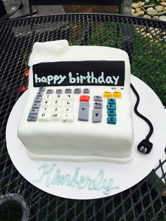 69d45d33a0df1ec21a0ae0c810625481--accounting-decorated-cakes.jpg