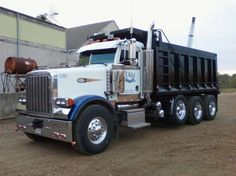 2006 Peterbilt 378 Tri Axle Dump Truck for sale in Lewisburg ...