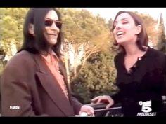 """Ambra Angiolini intervista Renato Zero / """"SUPER"""" (1996) - YouTube Mirrored Sunglasses, Sunglasses Women, Renoir, Wayfarer, Ray Bans, Mexico, Youtube, Style, Fashion"""