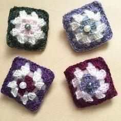 #グラニースクエア の #ブローチ  コパン用に。 #編み物 #knitting #ハンドメイド #handmade #brooch #朔の森
