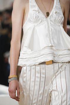 Balenciaga Spring 2016 Ready-to-Wear Fashion Show Details