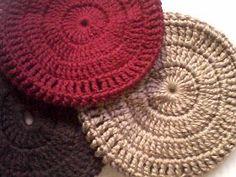 Crochet Flowers, Crochet Projects, Loom, Headbands, Diy And Crafts, Minnie Mouse, Crochet Hats, Ravelry, Retro