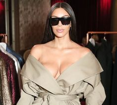 Kim Kardashian postpones makeup class scheduled in Dubai after robbery incident in Paris - http://www.thelivefeeds.com/kim-kardashian-postpones-makeup-class-scheduled-in-dubai-after-robbery-incident-in-paris/