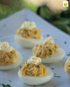 Uova Ripiene - semplici e veloci queste uova sode ripiene soddisferanno anche i palati esigenti. Qui il sapore c'è e si sente!