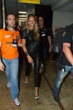 Adriane Galisteu chegando para participar do evento na Sumirê Fashion Show 2013 #sumirefashionshow #sumirefashion #sumireshow #fashion #maquiagem #veridicait #adrianegalisteu #galisteu