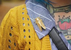 Insect Jewelry, Jewelry Art, Bug Tattoo, Yarn Inspiration, Crazy Outfits, Cool Style, My Style, Casual Street Style, Bellisima
